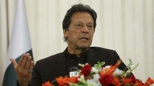Pakistan Başbakanı Han: Hindistan barış için ilk adımı atmalı